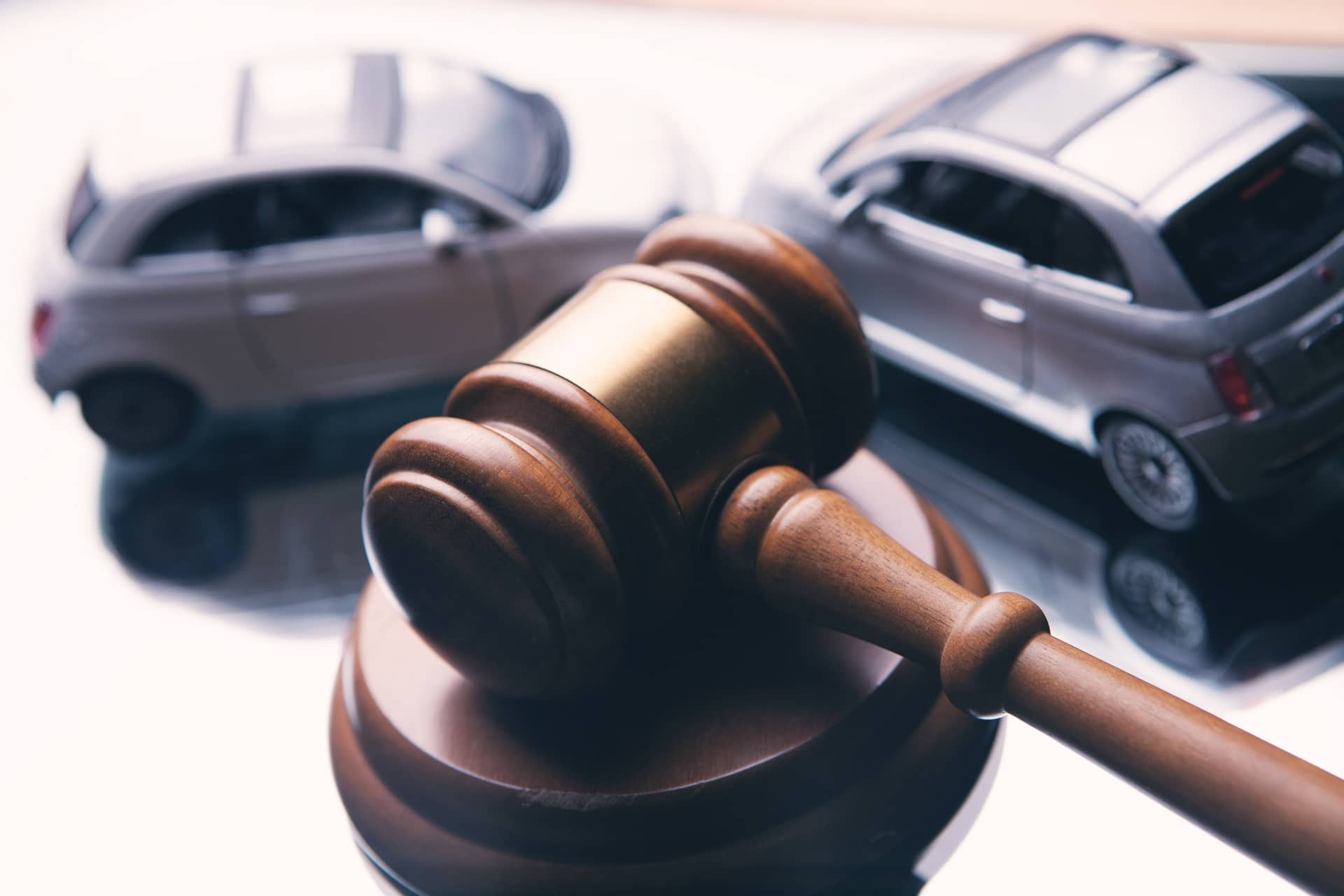 Signs That You Need to Hire a California Auto Accident Attorney